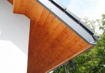 Drewniana podbitak dachowa